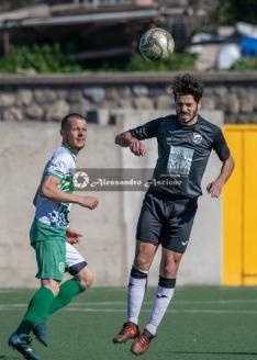 Campionato-Eccellenza-Girone-A-Barano-Afro-Napoli-United-Foto-di-Alessandro-Ascione-1269-Colpo-di-testa-Pasquale-Chiariello