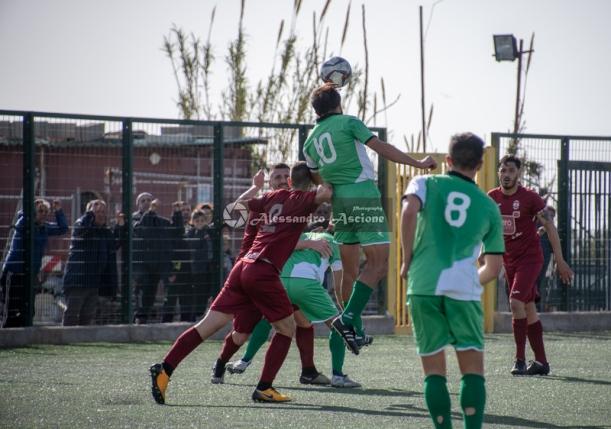 Real-Forio-vs-San-Giorgio-Campionato-Eccellenza-girone-A-foto-di-Alessandro-Ascione-0309-Pasquale-Savio-contrasto-aereo