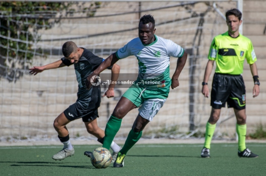 Campionato-Eccellenza-Girone-A-Barano-Afro-Napoli-United-Foto-di-Alessandro-Ascione-1227-Contrasto-Giovan-Giuseppe-Arcamone-Fuad-Suleman